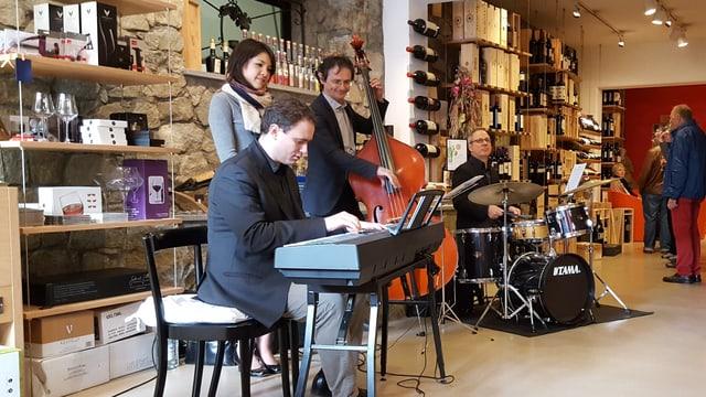 Band che suna al festival da jazz a Schlarigna.