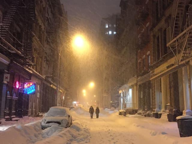 Spaziergänger in den Strassen von New York.