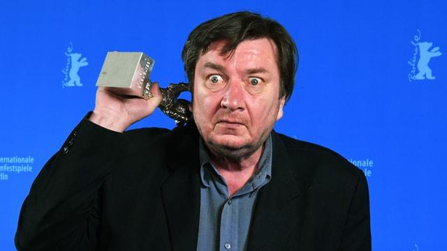 Aki Kaurismäki mit Silbernen Bär.