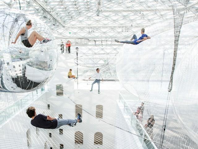«In orbit» im K21 Ständehaus in der Kunstsammlung Nordrhein-Westfalen.