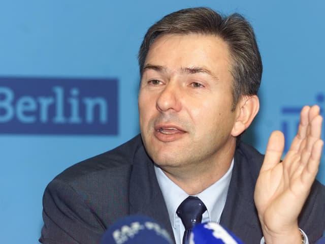 Klaus Wowereit an der Medienkonferenz.
