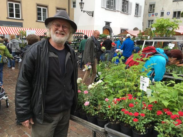 Peter Müller mussa sia flur preferida, la rosa.