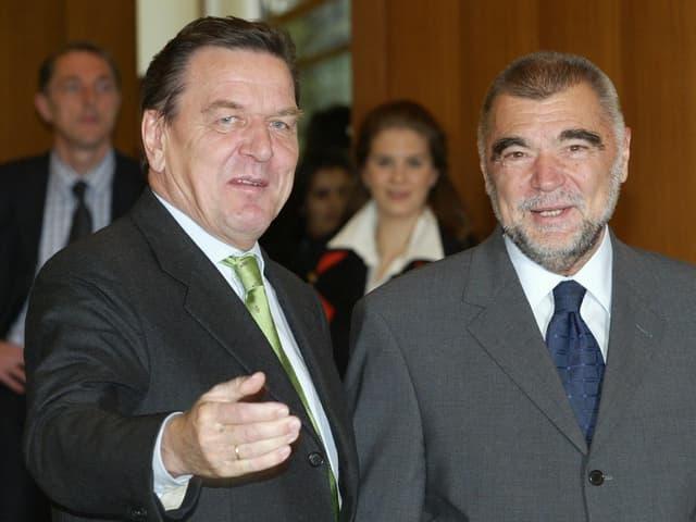 Mesic, hier mit Ex-Bundeskanzler Gerhard Schröder