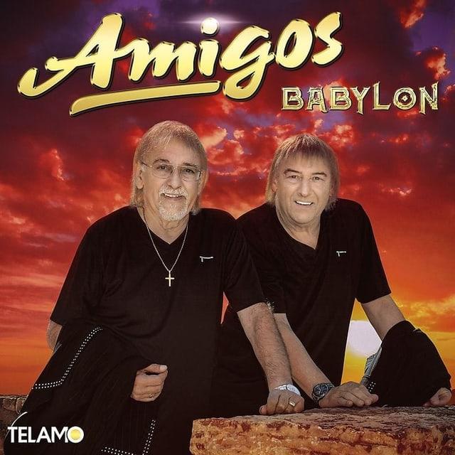 Zwei Männer in schwarzen T-Shirts auf einem CD-Cover.