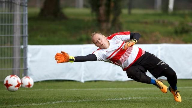 Seraina Friedli en il gol.