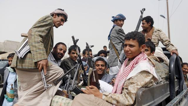 Rebels da Huthi datiers da Aden.