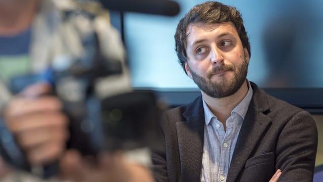 Der Personalverantwortliche Sebastian Gänger an einer Medienkonferenz