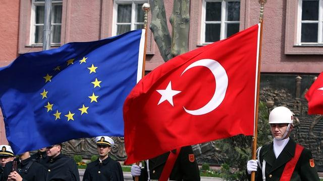 L'UE accelerescha las contractivas d'adesiun cun la Tirchia.