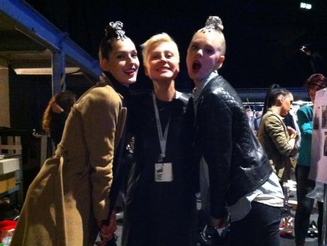 Anastasia Rieder mit zwei Models.