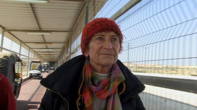 Ursula Hauser verlässt Gaza durch die Sperrzone von Erez.