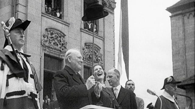 Churchill 1946 in Zürich, hier endet sein Triumphzug durch die Schweiz.