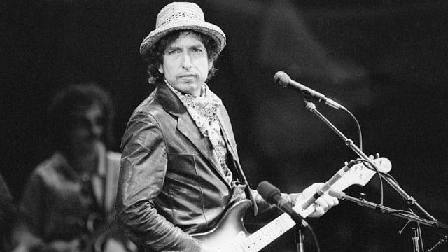 Bob Dylan bei einem Konzert in der St.Jakobs-Halle.