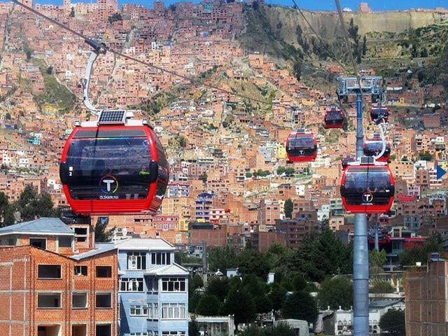 Die Stadt-Seilbahn von La Paz: Nach 28 Betriebstagen schon eine Million Fahrgäste.