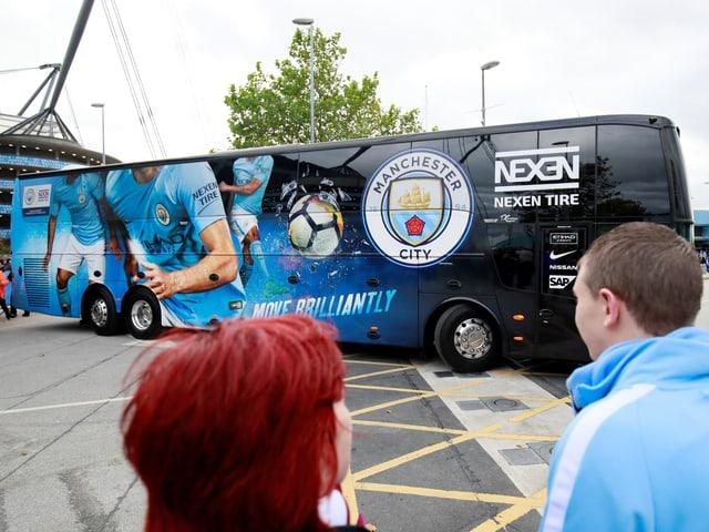 Der Mannschaftsbus von Manchester City.