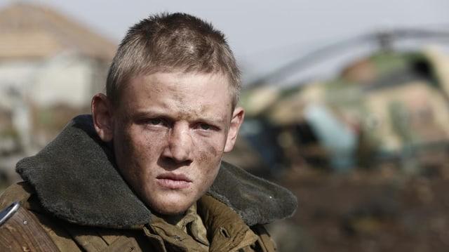 Der Student Kolia gespielt von Maxim Ermianov.