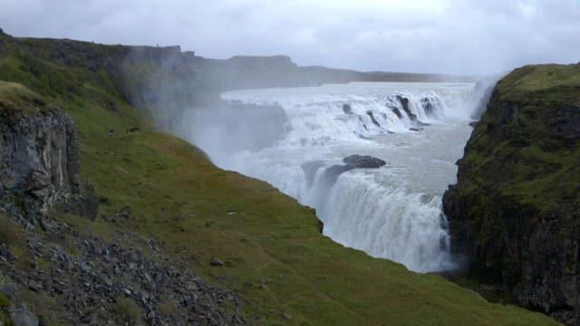 Gewaltige Wasserfälle auf Island