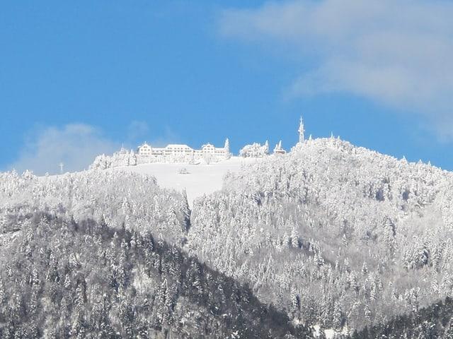 Weissenstein von unten im Schnee