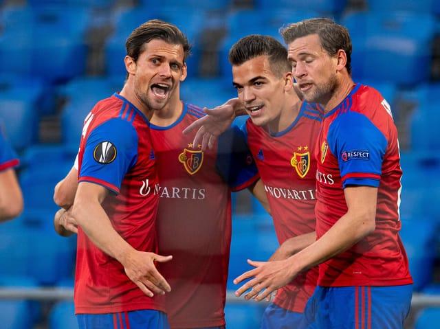 FCB-Captain Stocker und seine Teamkollegen.