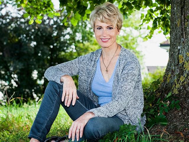 Catherine McMillan posiert für ein Foto.