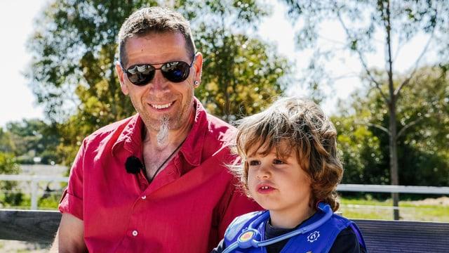 Mehr Zeit für die Familie: Rolf Tobler mit seinem jüngsten Sohn James