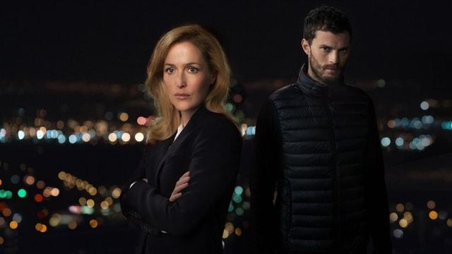 Polizistin Stella (Gillian Anderson) jagt den Serienmörder Paul (Jamie Dornan).