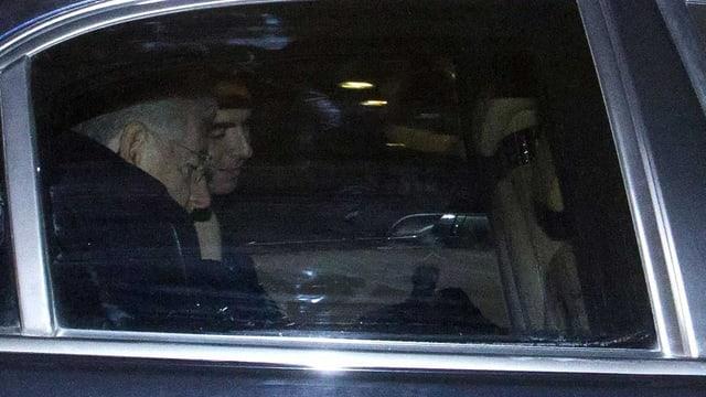 Mario Monti, in einem Fahrzeug aufgenommen.