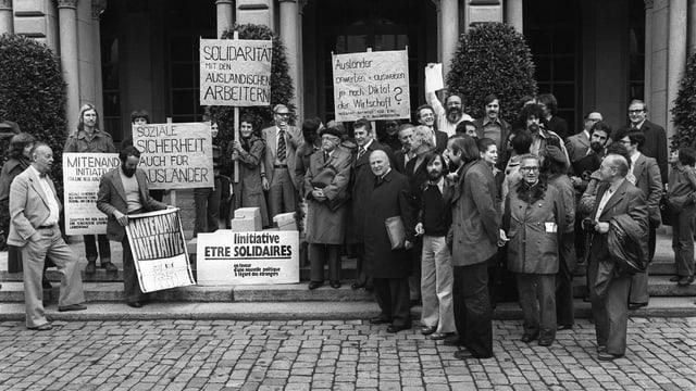 Eine Kundgebung anlässlich der «Mitenand»-Initiative für eine menschliche Ausländerpolitik in Bern.