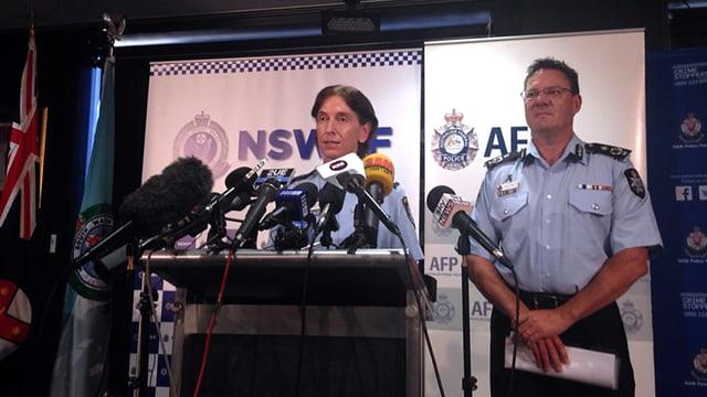 Vertreter der Polizei an einer Medienkonferenz in Sydney.