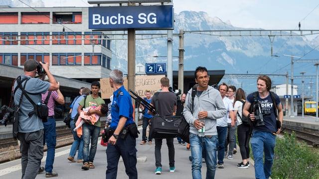 Flüchtlinge, die im September 2015 am Bahnhof Buchs angekommen sind.