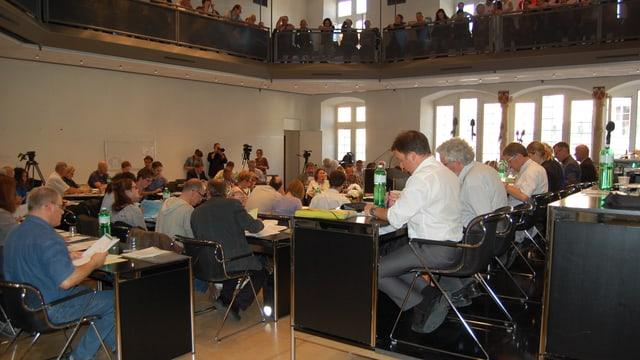 Der Bieler Stadtrat an einer Parlamentssitzung.