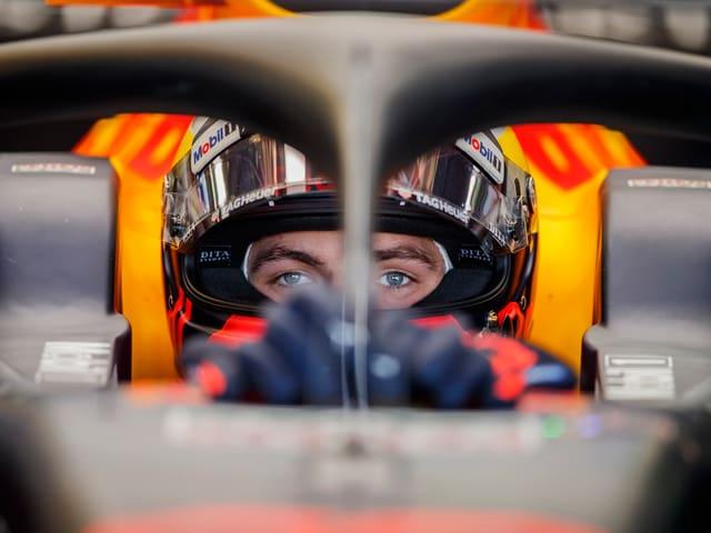 Max Verstappen im Cockpit