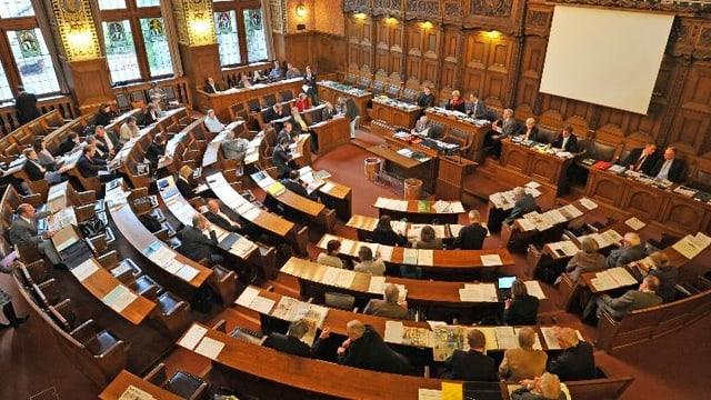 Der Grosse Rat während einer Sitzung, von oben fotografiert.