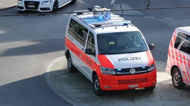 Auto da polizia.