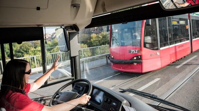 Tramchaufferin in Bern.