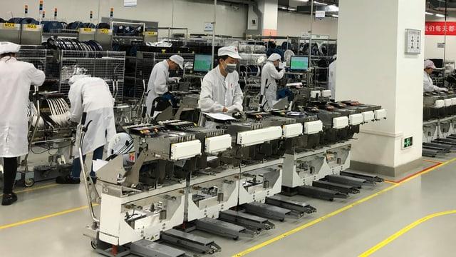 Smartphone-Produktion auf dem Huawei-Campus.