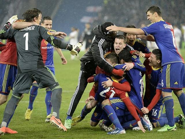 Die Basel-Spieler nach der Entscheidung gegen die Spurs.