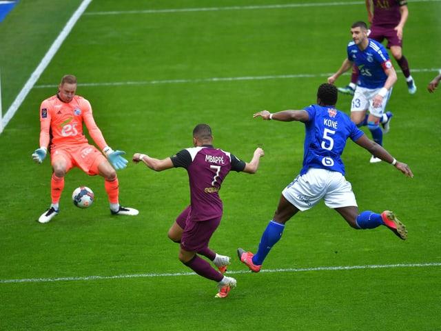 Kylian Mbappé bringt PSG gegen Strassburg in Führung.