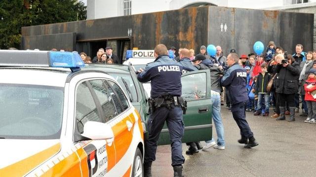Inszenierte Verhaftung der Solothurner Kantonspolizei
