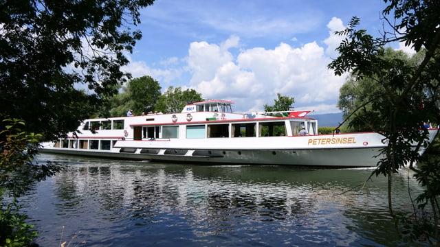 Kursschiff auf dem Broyekanal.