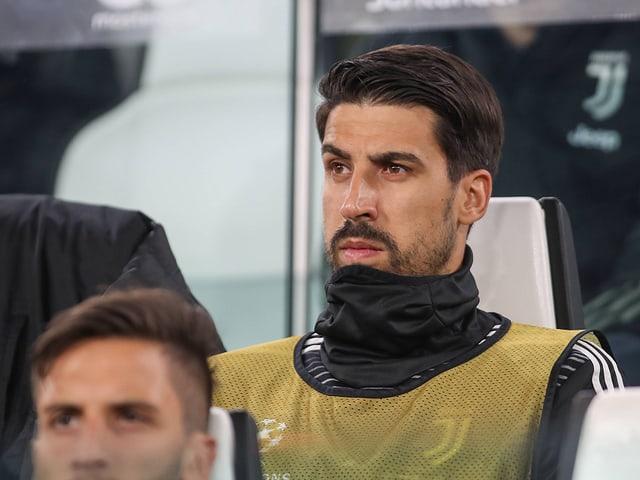 Sami Khedira auf der Bank.