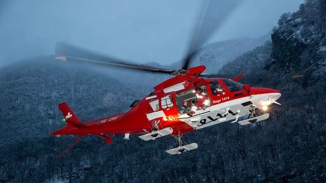 In helicopter da la Rega che sgola.