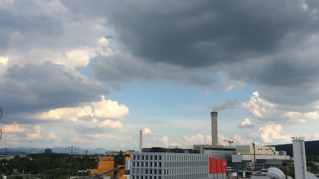 Unter dem Kaltlufttropfen bildeten sich am Donnerstag grosse Quellwolken.