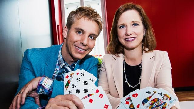 Reto Scherrer und Christa Markwalder lassen sich heute mal in die Karten schauen.