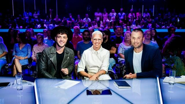 Die drei Talent-Scouts Stefanie Heinzmann, Jonny Fischer und Luca Hänni haben für «Stadt Land Talent» .
