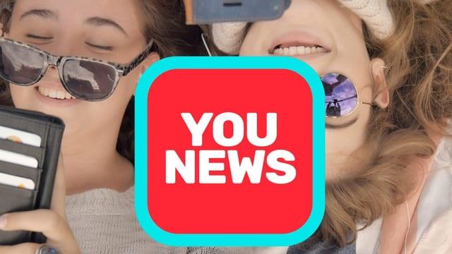 Zwei Mädchen mit Younews Logo