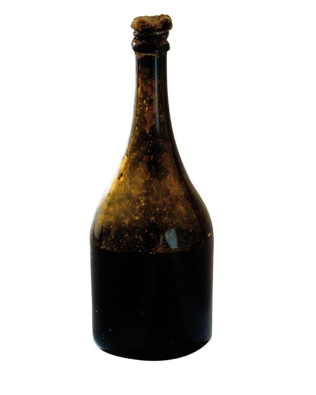 Der Gebrauch von Glasflaschen und Korken wird erst ab dem 18. Jahrhundert gebräuchlich. Dies ermöglicht die Langzeitkonservierung von Wein ohne Qualitätsverlust.