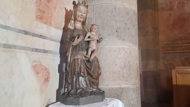 La statua da la Sontga Maria deponida en la claustra Sonch Johann a Müstair