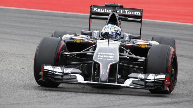 In pilot da Sauber durant la cursa.