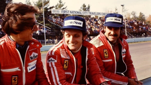 Niki Lauda (Mitte), Clay Reggazoni (rechts) auf Ferrari.