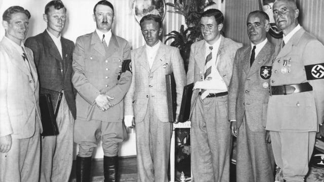 Propagandabild mit Adolf Hitler und den Erstdurchsteiger der Eiger-Nordwand.